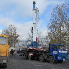 Автокран 32 тонны на строительстве производственно-коммунального склада. Спецтехника арендована фирмой ООО «СК Старатель»