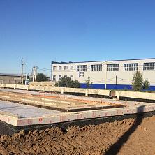 Устройство фундамента будущего здания цеха завершено.