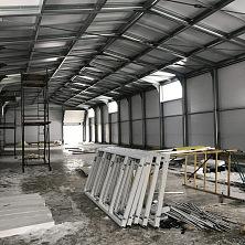 Подготовка к монтажу окон и устройству внутренних помещений склада