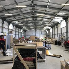 Новый склад успешно работает. Арендующая компания размещает свою технику и оборудование