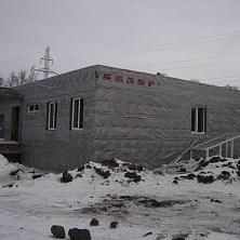 Установлены пластиковые окна и завершены работы по утеплению фасада