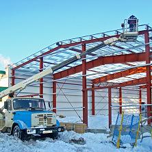 Стеновые и кровельные прогоны каркаса склада выполняются из холодногнутого Z-профиля, изготовленного из оцинкованной стали