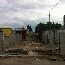 Строительство склада начинается с фундамента