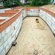 Подготовка основания для пола. Уплотнение песка