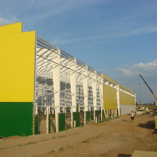 Стены здания согласно проекту из сэндвич-панелей