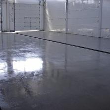 Устройство бетонного промышленного пола завершено
