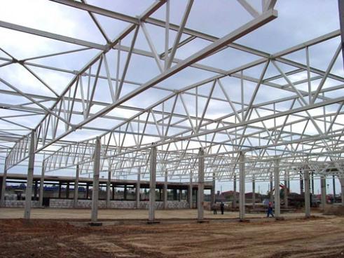 Проект склада для логистического центра. Проект предусматривает использование металлических конструкций Ruukki