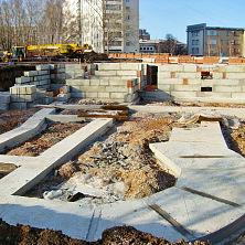 На строительстве медицинского центра завершены работы по устройству фундамента