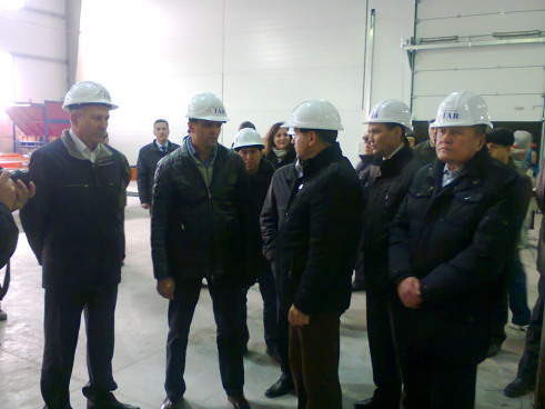 Президент Чувашии М. Игнатьев с визитом на строящемся объекте
