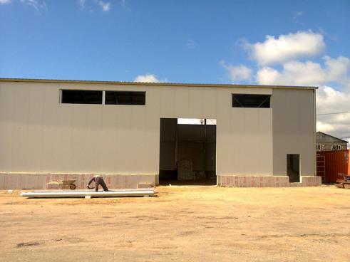 Строительство склада - стены из сэндвич-панелей