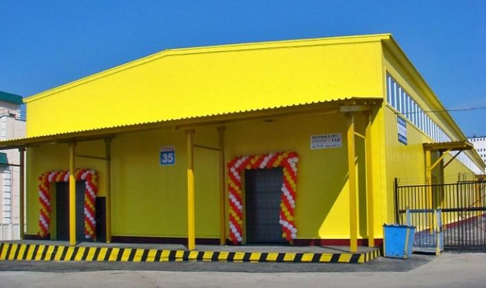 Склад площадью 1200 кв. м на территории торгово-складского комплекса Чувашгосснаб. Построен Строительной компанией ТАВ в 2012 году