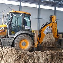 На строительстве торгово-складского помещения в г. Чебоксары работает гидромолот нашей компании
