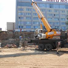 На строительстве объекта ООО «ЖБК № 9» арендован автокран 25 тонн КС-45717К-1Р