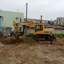 Экскаватор Hyundai арендован на строительстве «Промышленного предприятия и коммунально-складского объекта»