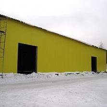 Ограждающие конструкции холодного склада - из профилированного стального листа.