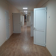 Коридор клинико-диагностической лаборатории после реконструкции